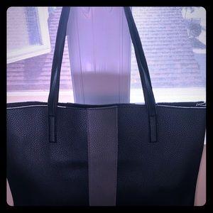 Handbags - Vince camuto tote